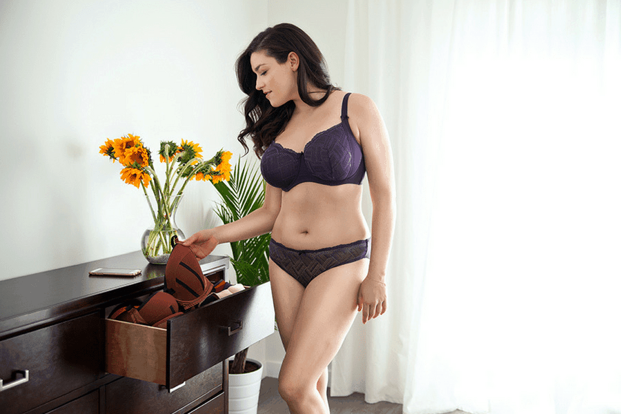 c4642899bd Find Your Bra Sister Size With Our Simple Chart - ParfaitLingerie.com