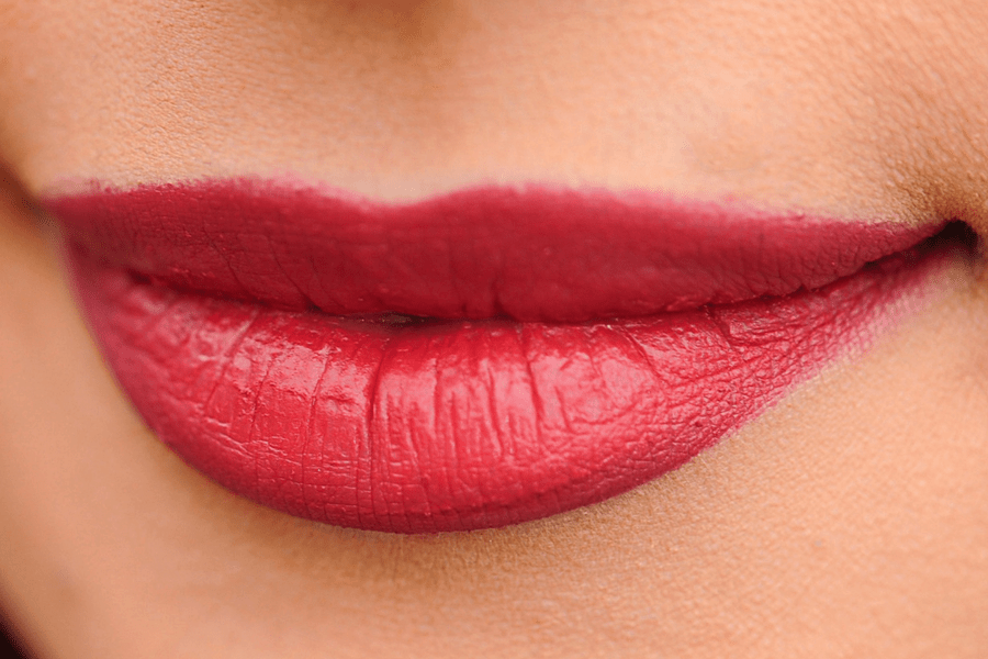 coconut oil moisturize chapped lips