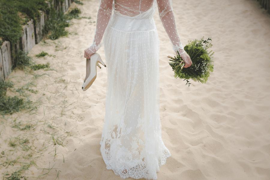 borrow wedding dress