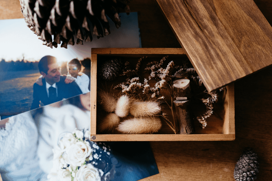 how to save money on wedding photography