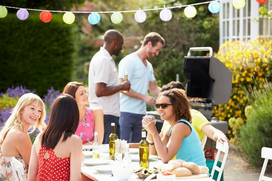 summer party 5 - 5 Simple Tips For Hosting An Unforgettable Outdoor Party This Summer