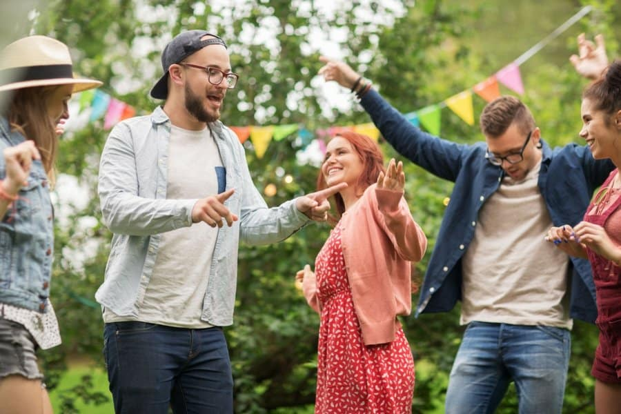 summer party 22 - 5 Simple Tips For Hosting An Unforgettable Outdoor Party This Summer