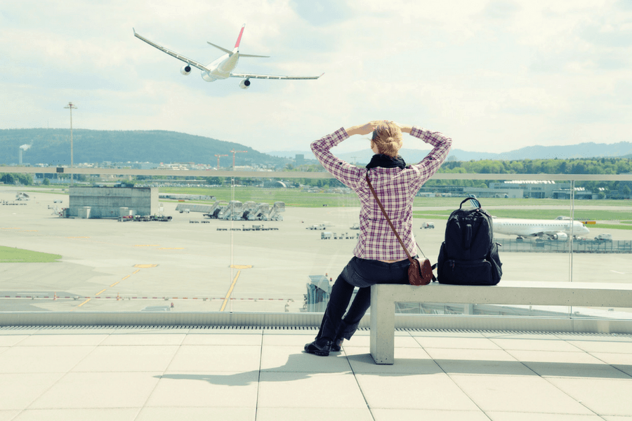 5 essential tips for flying comfortably while pregnant - 5 Essential Tips For Flying Comfortably While Pregnant
