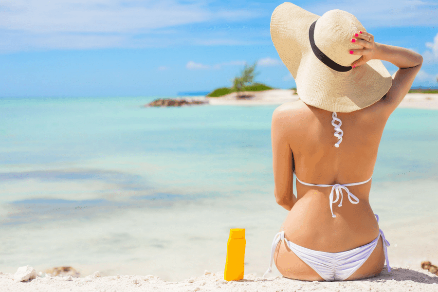 apply sunscreen every day 1 - 5 Simple Tips For Gorgeous Glowing Skin This Summer