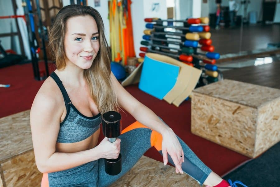 women strength training build confidence - 5 Reasons Why You Should Add Weights To Your Workout Plan