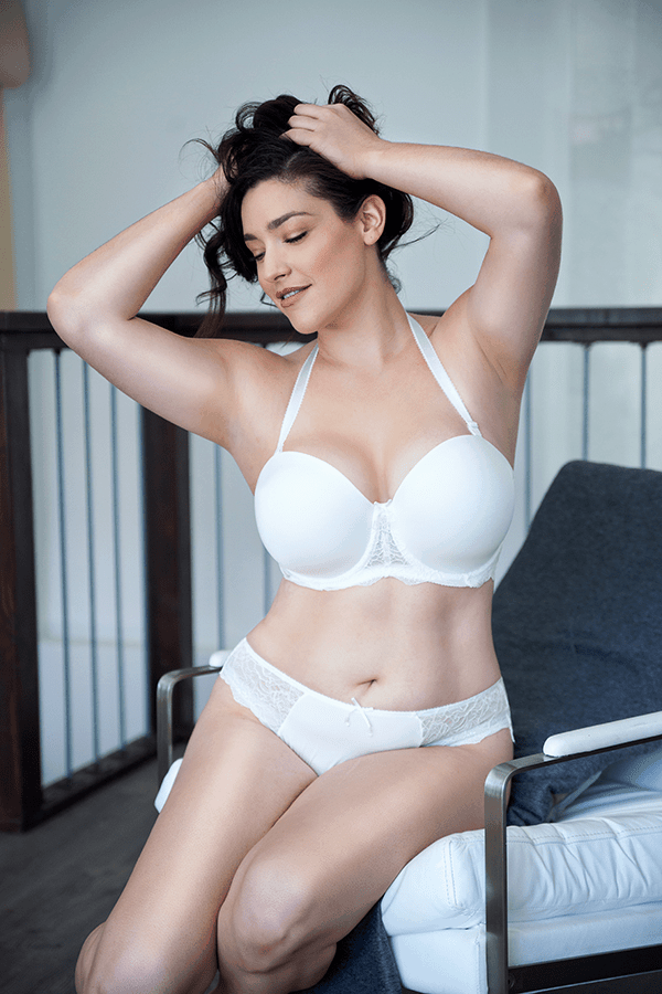 Do You Wear A Bra With A Wedding Dress? - ParfaitLingerie.com