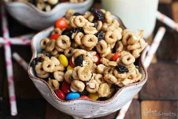 cheerios snack mix julies eats and treats - 8 Healthy Snacks Your Kids Will Love