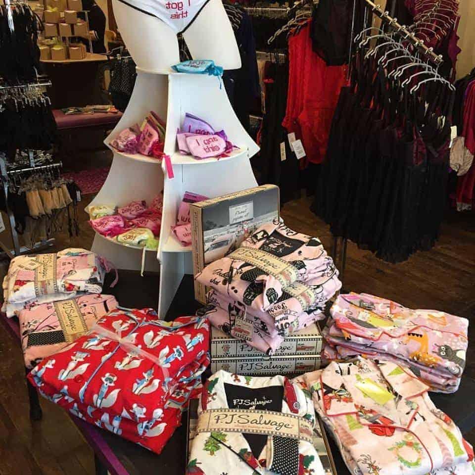 curvaceous lingerie facebook 13 - Best Lingerie Stores: Curvaceous Lingerie In Lansing, Michigan