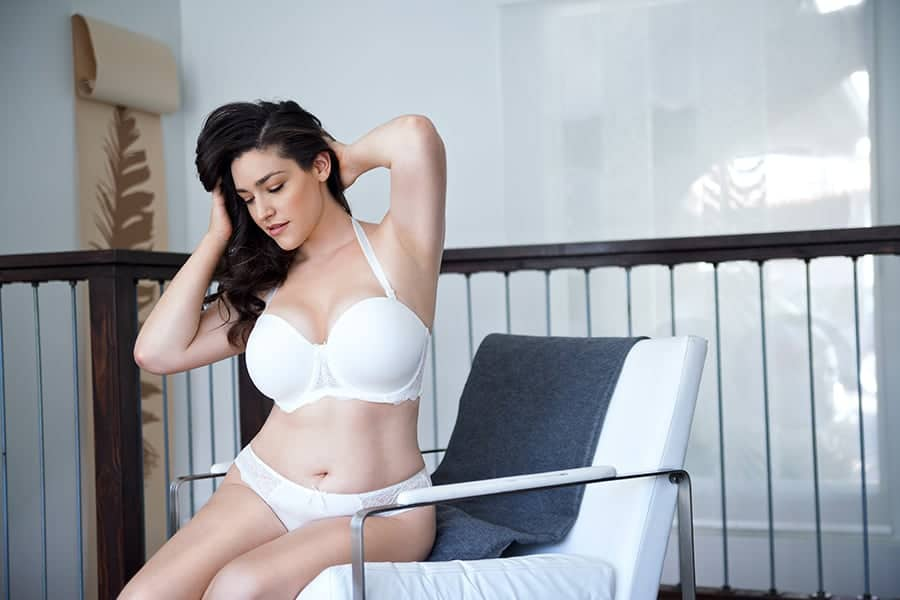 how to make strapless bra stay up