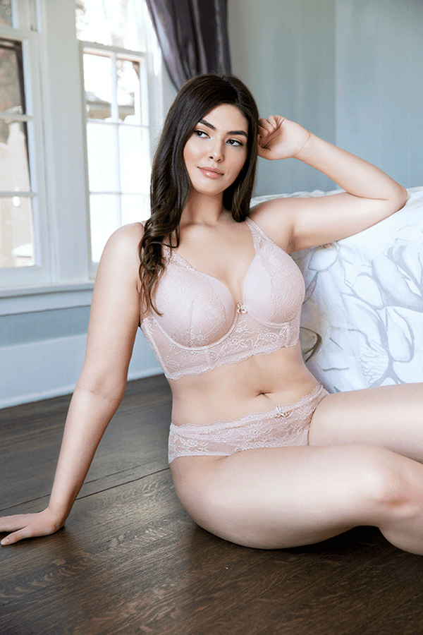 what to wear to a boudoir shoot
