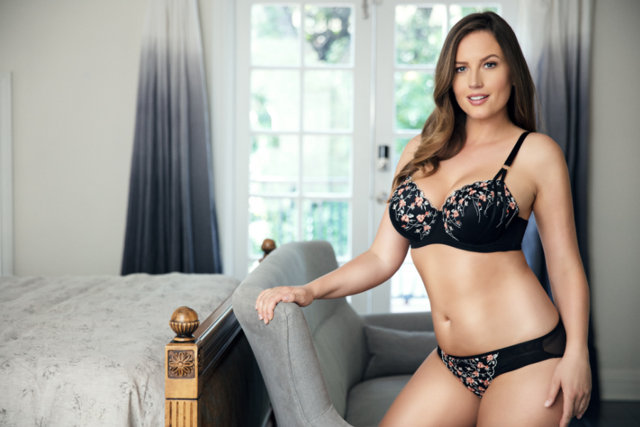 embroidered bra and panty sets